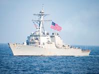 Китайские боевые корабли и самолеты встретили американский эсминец в спорной акватории