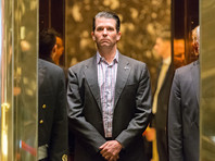 """Сын Трампа утверждает, что отец не знал о его """"позоре"""" - встрече с юристом из России для сбора компромата на Клинтон"""