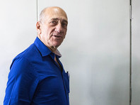 Осужденный за коррупцию экс-премьер Израиля будет раздавать еду и лекарства беднякам