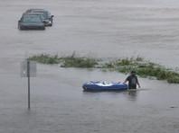 В США обсуждают шпильки первой леди после приезда Трампа в Техас на фоне масштабного наводнения