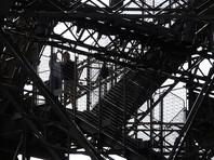 Мужчина, пытавшийся прорваться с ножом на Эйфелеву башню, признался в связях с джихадистами