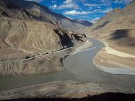 На прошлой неделе индийские и китайские военные объявили о подготовке к возможному вооруженному конфликту из-за плато в Гималаях