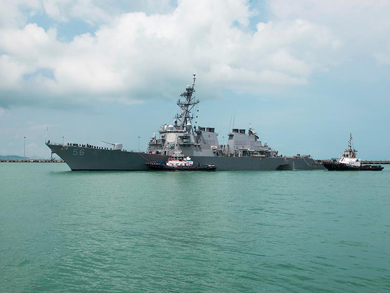 """Пентагон объявил о прекращении операций ВМС США из-за аварии эсминца """"Джон Маккейн"""" у берегов Сингапура"""