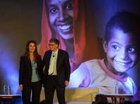 Основные пожертвования бизнесмен вносит в свой благотворительный фонд Bill & Melinda Gates Foundation, который он основал вместе с супругой Мелиндой. Фонд занимается проектами в области здравоохранения и борьбой с бедностью