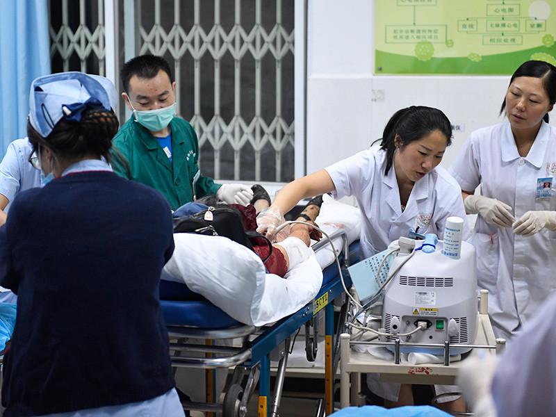 В результате землетрясения магнитудой 7,0 в Китае погибли 13 человек, еще 175 пострадали