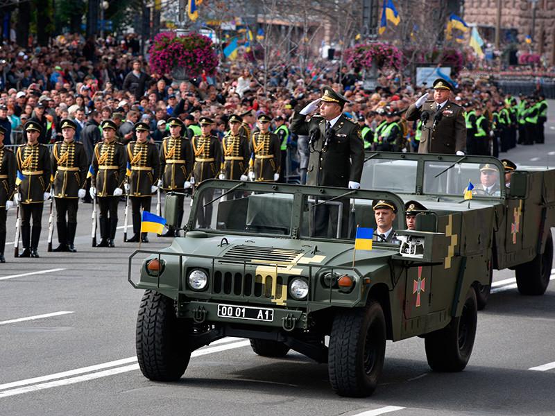 В Киеве прошел военный парад, приуроченный к празднованию 26-й годовщины независимости Украины