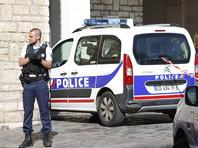 В пригороде Парижа автомобиль врезался в пиццерию