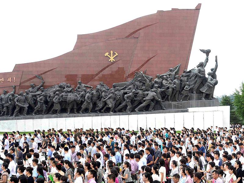 В центре Пхеньяна прошел многотысячный митинг против новых санкций Совбеза ООН в отношении Северной Кореи