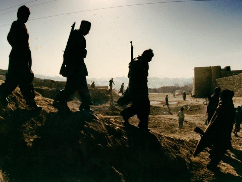 В Таджикистане по государственным телеканалам накануне вечером, 8 августа, был показан 45-минутный документальный фильм, подготовленный Министерством внутренних дел страны, в котором Иран обвинялся в финансировании террористов в 1990-е годы во время гражданской войны в стране
