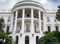 Источники издания в Вашингтоне также предположили, что вслед за Бэнноном Белый дом также покинут и его сторонники