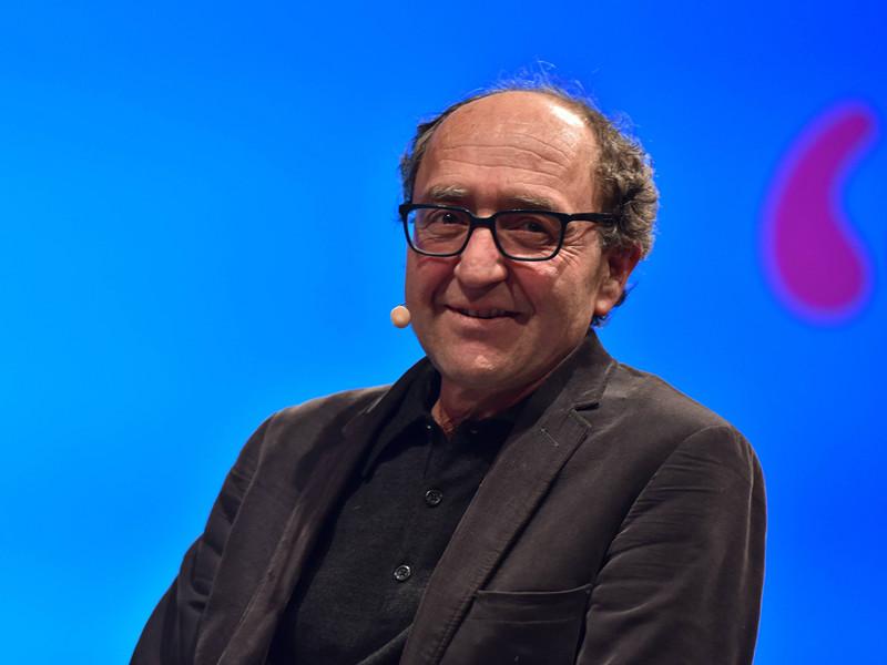 Немецкий писатель турецкого происхождения Доган Аханлы, задержанный накануне в Испании, вышел на свободу