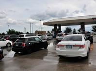 """Власти семи прибрежных округов американского штата Техас объявили эвакуацию десятков тысяч жителей в связи с приближающимся ураганом """"Харви"""" (Harvey)"""