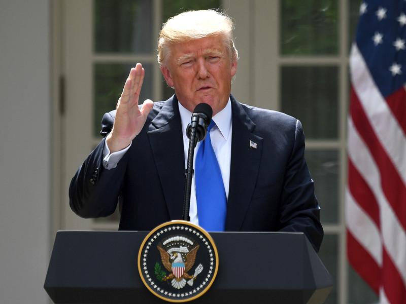 Президент США Дональд Трамп, накануне подписавший закон об ужесточении антироссийских санкций, возложил ответственность за ухудшение отношений с Россией на конгресс