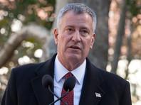 """Мэр Нью-Йорка после событий в Шарлотсвилле объявил чистку города от """"символов ненависти"""", решив начать с Бродвея"""