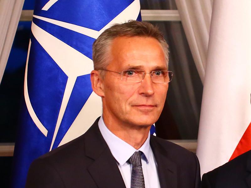 В Варшаве полицейская машина, сопровождавшая колонну генерального секретаря НАТО Йенса Столтенберга, попала в ДТП. Автомобиль столкнулся с фургоном, в результате чего пострадали четыре человек