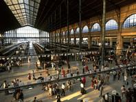 На Северном вокзале в Париже в воскресенье вечером была проведена экстренная эвакуация после того, как один из пассажиров попытался провезти в багаже фрагмент бомбы времен Второй мировой войны