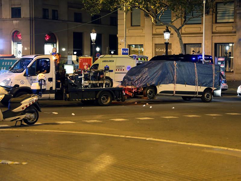 Предполагаемый водитель микроавтобуса, наехавшего накануне, 17 августа, на пешеходов в центре Барселоны, был среди террористов, убитых полицией через несколько часов после этого в Камбрильсе при попытке совершить аналогичный теракт