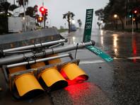 """Мощнейший ураган """"Харви"""" (Harvey) в субботу утром достиг побережья США в штате Техас"""