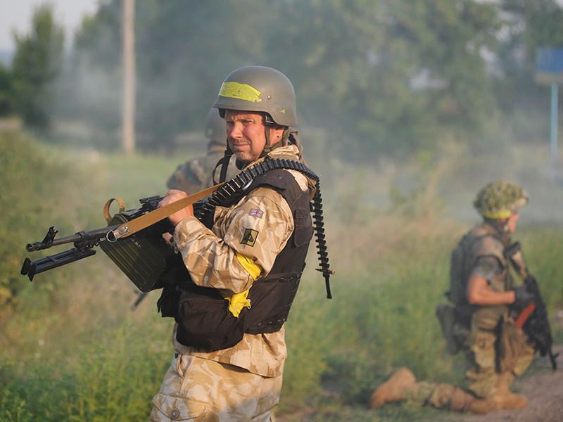 """Контактная группа по урегулированию в Донбассе согласовала прекращение огня на востоке Украины с 25 августа. Инициатива, которую накануне поддержали лидеры стран """"нормандской четверки"""", приурочена к началу учебного года"""