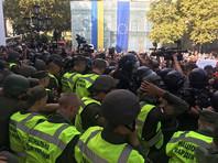 В Одессе в столкновениях с пикетчиками, требующими отставки мэра, пострадали 36 правоохранителей