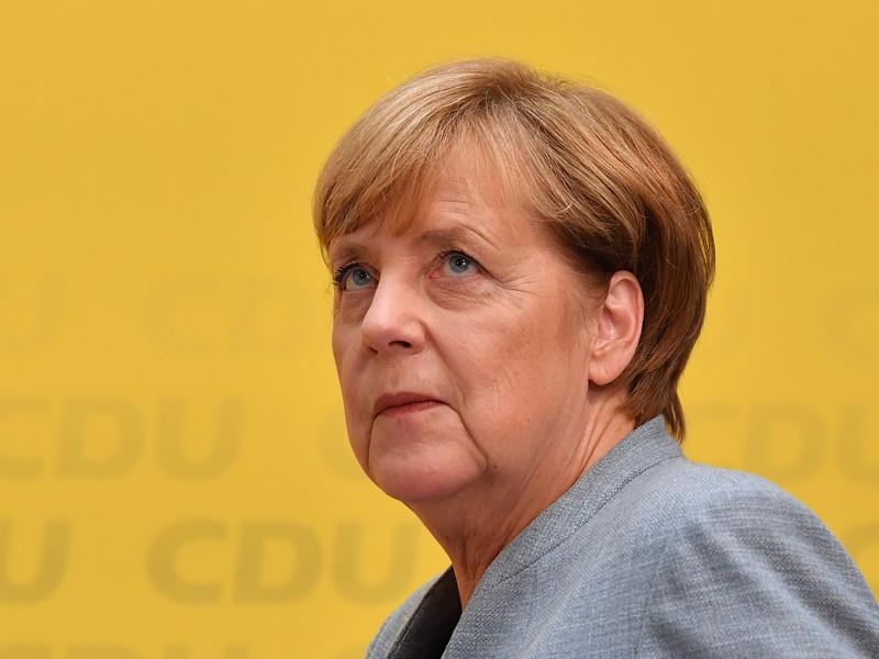 """Меркель предложила всем, кроме """"Альтернативы для Германии"""", поговорить о коалиции. СДПГ уже отказалась"""