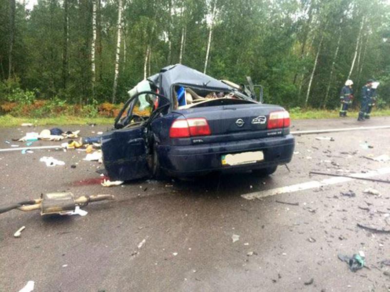 В Ровенской области Украины утром в среду, 6 сентября, произошло ДТП, в результате которого погибли пять человек