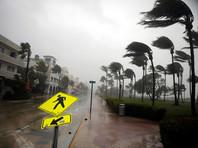 Во Флориду ураган прибывает в ранге четвертой (из пяти) категории опасности со скоростью ветра около 210 км/ч