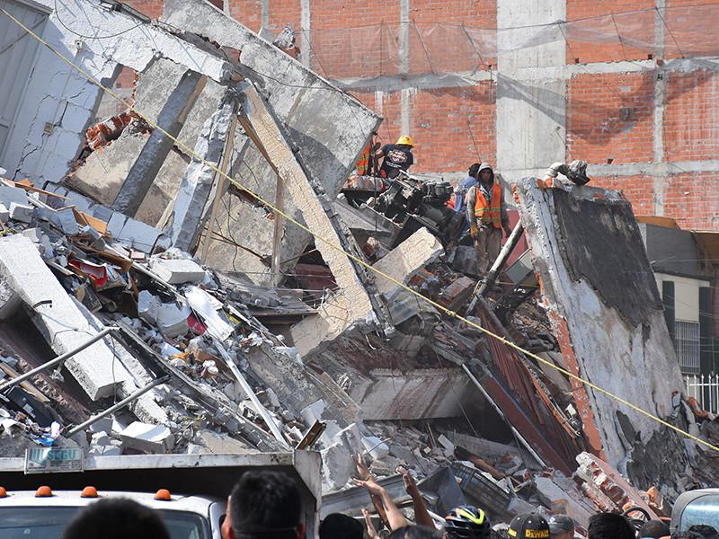 Число погибших в результате мощного землетрясения в Мексике возросло до 248