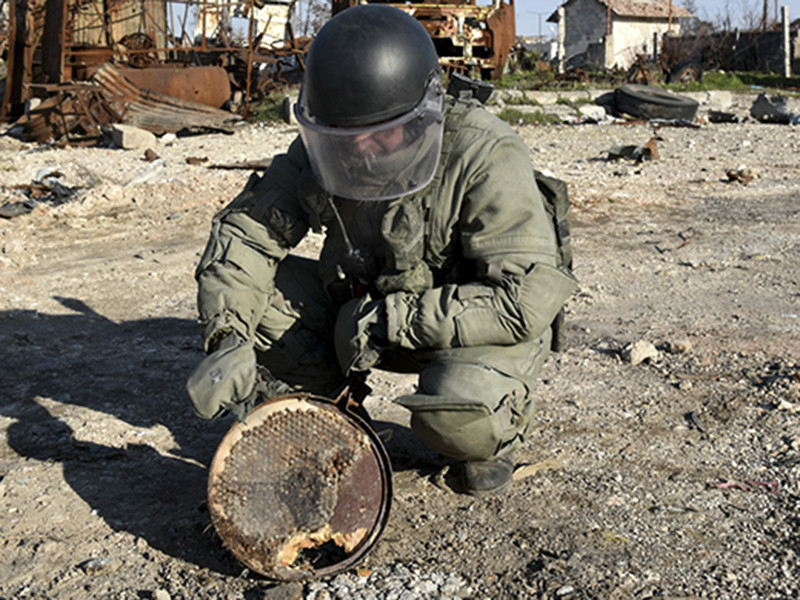 Российские саперы начали разминирование сирийского Дейр-эз-Зора