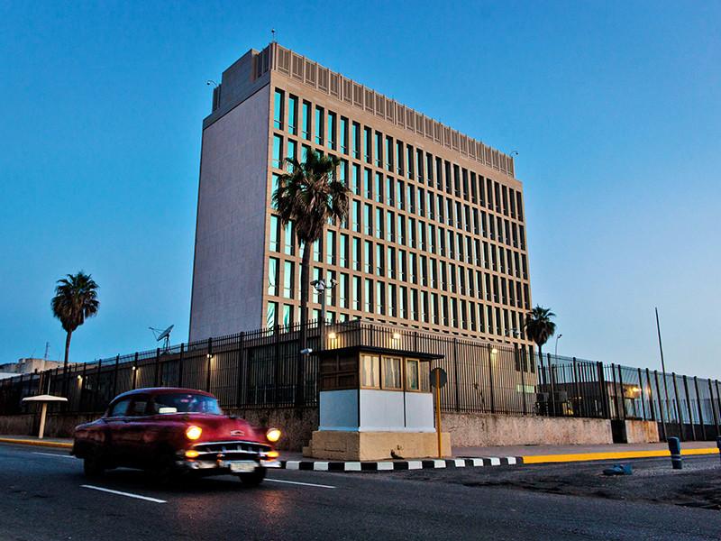 """Соединенные Штаты собираются отозвать большую часть своих дипломатов из американского посольства на Кубе, сотрудники которого, как утверждают в Вашингтоне, пострадали от загадочных """"акустических атак"""""""