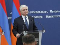 Армения обсуждает с Азербайджаном возвращение ему части территорий, не представляющее угрозы для Нагорного Карабаха. Об этом заявил в понедельник, 18 сентября, глава МИД Армении Эдвард Налбандян