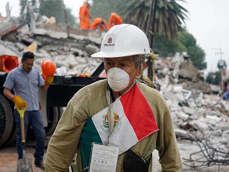 Власти Мексики обнародовали новые данные о количестве жертв мощного землетрясения, произошедшего на территории страны на этой неделе