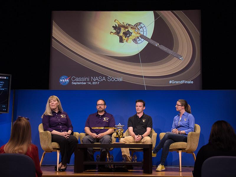 """""""Великий финал"""" Cassini: зонд геройски сгорел в атмосфере Сатурна на 22-м витке, передав ученым последние сенсационные данные"""