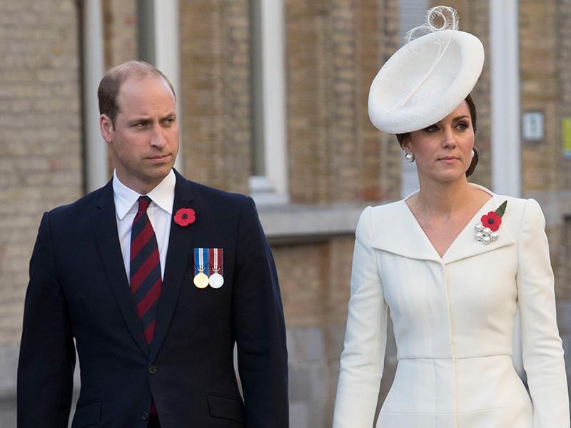 Французский суд присудил компенсацию принцу Уильяму и его жене Кэтрин за ее голые фото