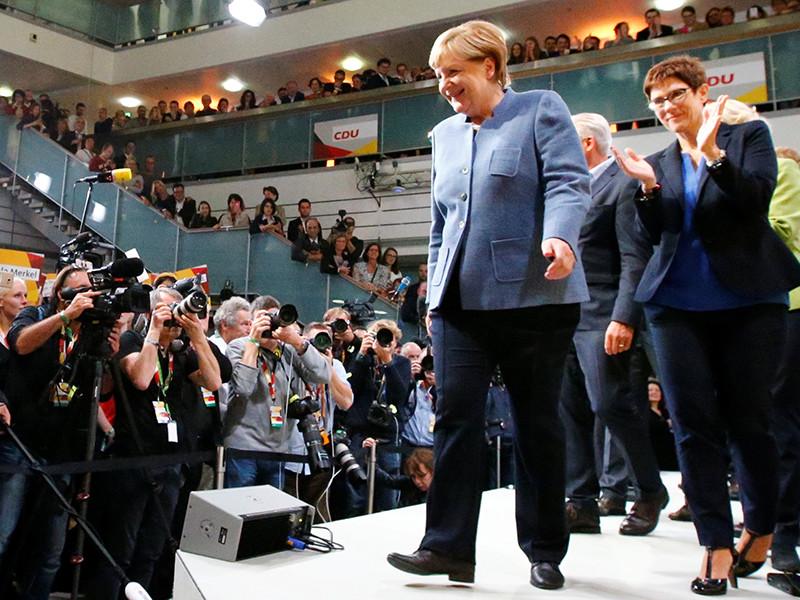На парламентских выборах в Германии победил консервативный блок Ангелы Меркель Христианско-демократический союз и Христианско-социальный союз (ХДС/ХСС), набрав 33% голосов избирателей