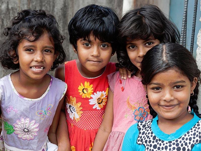 """Власти Шри-Ланки впервые признали существование в стране """"детских ферм"""" по продаже детей иностранцам"""