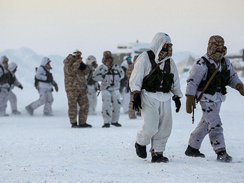 Российские власти расширяют деятельность вооруженных сил в Арктике, продолжая милитаризацию региона, и активно осваивают природные ресурсы
