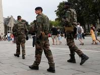 Неизвестный с именем Аллаха на устах напал на военный патруль в парижском метро