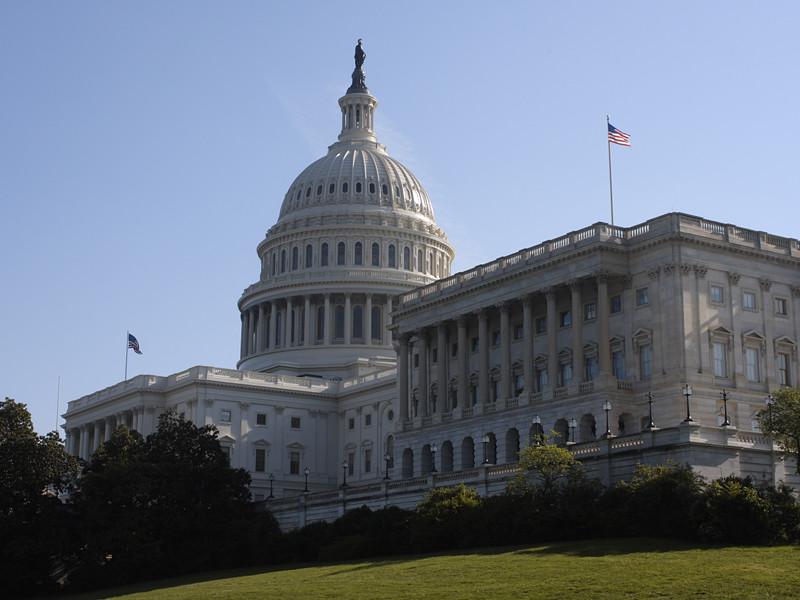 Конгресс потребовал от Facebook, Twitter и Google информацию о российских компаниях, покупавших антифрекинговую рекламу