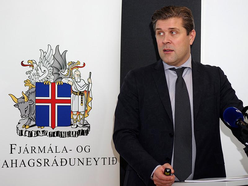 В Исландии назначены досрочные выборы из-за скандала с письмом в защиту педофила