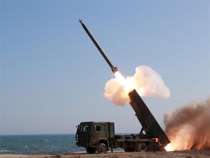 Северная Корея запустила очередную ракету. Японцев пригласили в укрытия