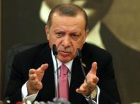 """""""Наши друзья уже подписали (соглашение) по С-400. Насколько я знаю, также был выплачен первый взнос. Процесс продолжится передачей кредита нам от России. И я, и господин (президент РФ Владимир) Путин решительно настроены по этому вопросу"""", - заявил Эрдоган"""