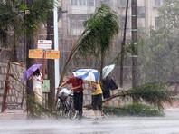 """Идущий на Сахалин тайфун """"Талим"""" в Японии стал причиной гибели минимум двух человек, еще 40 получили травмы, а трое пропали без вести"""