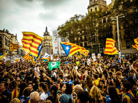 """В Каталонии к референдуму о независимости в секретном месте печатаются бюллетени. Сайт о плебисците поддерживают """"русские хакеры"""""""