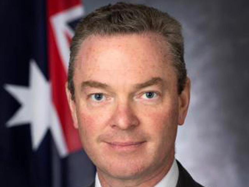 Министр оборонной промышленности страны Кристофер Пайн