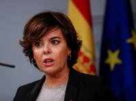 Мадрид ввел прямое правление в Каталонии и назначил управлять ею вице-премьера Сорайю Саенс де Сантамария. Но Пучдемон уходить отказался