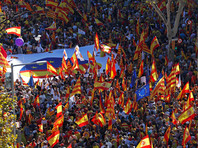В Барселоне прошел марш за единство Испании: полиция насчитала 300 тыс. участников