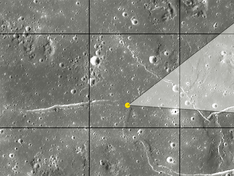 """Японский зонд """"Кагуя"""" обнаружил под поверхностью Луны гигантскую полость, простирающуюся примерно на 50 километров, которую теоретически можно использовать для размещения исследовательской базы землян"""
