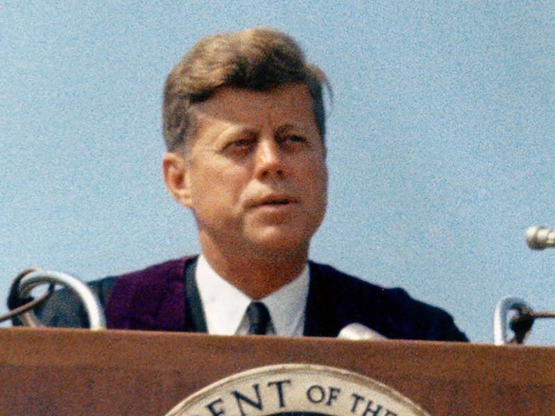 Белый дом блокирует публикацию новых документов об убийстве Кеннеди, полагают СМИ