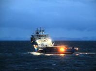 Российские водолазы на норвежском корабле отправились к месту обнаружения обломков вертолета на Шпицбергене